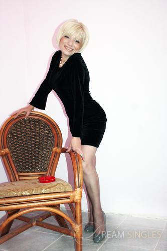 Beautiful Russian Woman Asmik from Byuregavan
