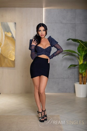 marianna single girls My name is marianna, almost forty and fabuloussingle mom,wanting my girl desires met i am a happy person, like to have fun, easy going, very passionate.