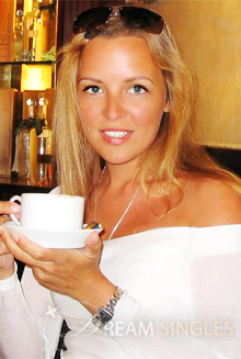 Beautiful Russian Woman Elena from Saint-Petersburg