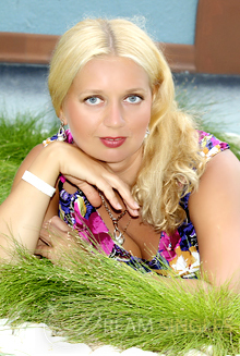 Beautiful Russian Woman Lubov from Saint-Petersburg